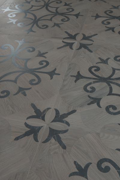 lemma pavimento intarsiato in legno e marmo